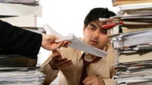 Managerii îi încarcă pe angajaţi cu un volum exagerat de sarcini