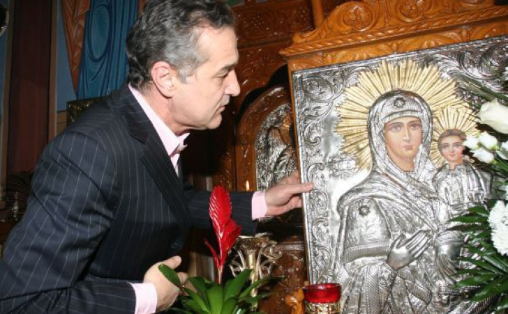 Gigi Becali este susţinut de călugării români de la Muntele Athos