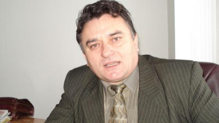Vasile Botomei, reţinut după ce ar fi exercitat ilegal profesia de avocat