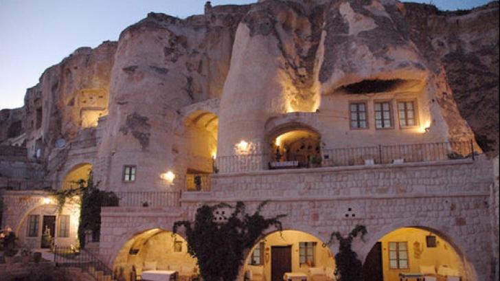 Hotelurile subterane din Cappadocia