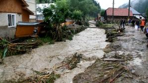 Ploaia diluviană care s-a abătut marţi seara asupra gospodăriilor din satul buzoian Valea Sălciilor i-a şocat pe toţi