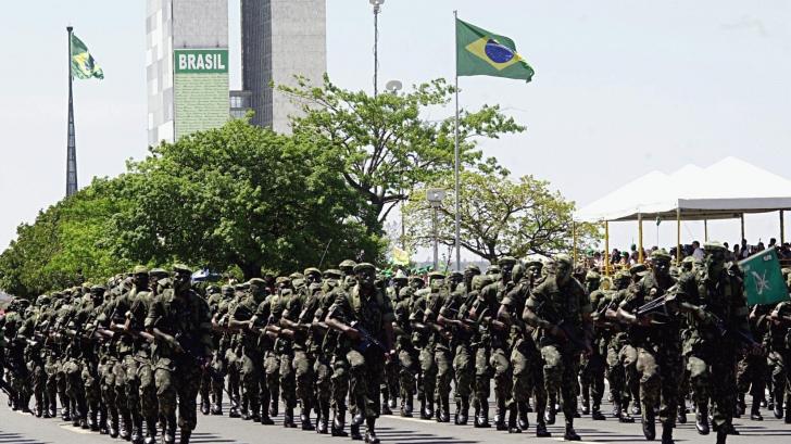 Militari brazilieni