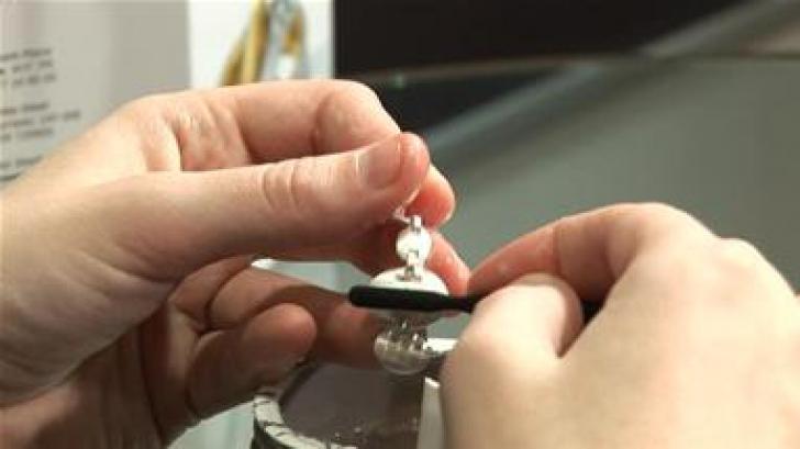 Cum să cureţi argintul în câteva secunde