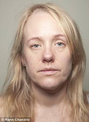 Cum arată faţa unei jurnaliste care nu s-a demachiat timp de o lună