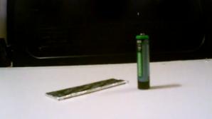 Cum poți să aprinzi un foc cu o baterie și o gumă de mestecat