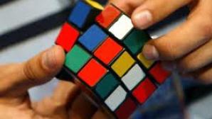 Cum să rezolvi un cub Rubik: 43 de cvintilioane de poziţii posibile, o singură soluţie