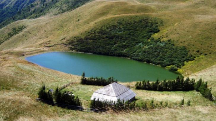 Lacul fără fund