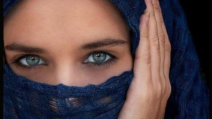 Olanda interzice vălul musulman în locurile publice. Ce vor păţi femeile care nu respectă legea