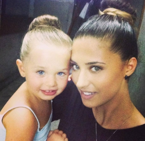 Antonia şi fetiţa ei Maya