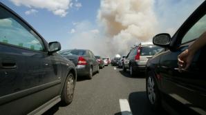 Microbuz în flăcări pe autostrada Soarelui