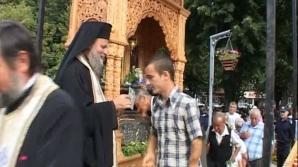 Ajutor reciproc între mireni şi angajaţii unităţilor de cult