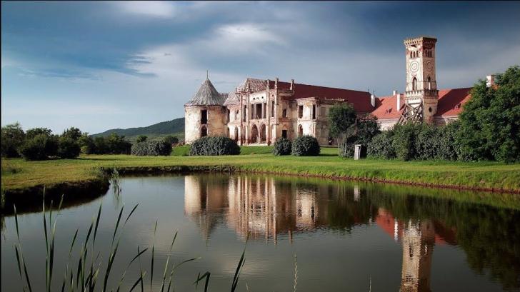 Conform unui top, castelul Bannfy este locul cel mai bântuit de la noi din ţară