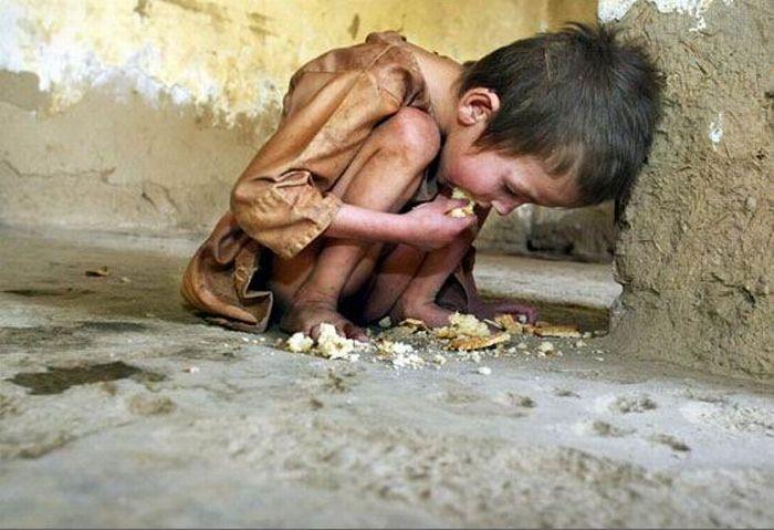 Peste 2,2 MILIARDE de persoane sunt SĂRACE sau în pragul sărăciei în lume