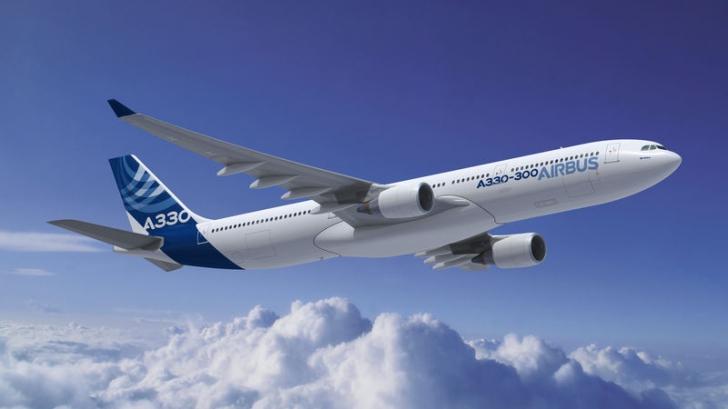INCIDENT AVIATIC: Un Airbus a ieşit de pe pistă