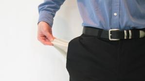 Nu mai sunt bani: majorările de salarii vin la pachet cu disponibilizări?
