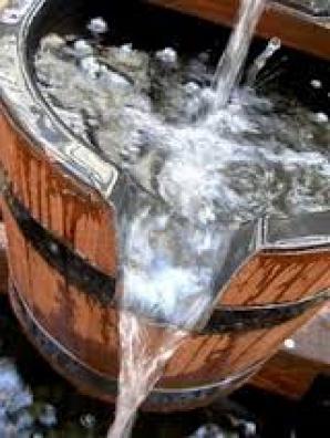 Nou fenomen ciudat la Izvoarele: apa din fântânile oamenilor fierbe