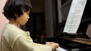 Cât de important este să îţi dai copiii la lecţii de muzică