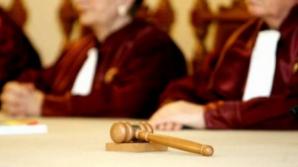 <p>Legea descentralizării este neconstituţională, a decis, vineri, în unanimitate, Curtea Constituţională</p>