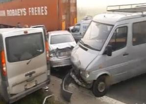 CARAMBOL pe o autostradă din Belgia. Un mort şi 60 de răniţi