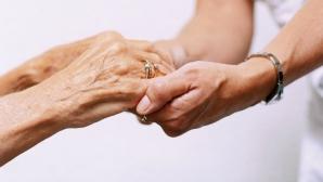 Prahova: Femeia care coordona afacerile cu cămine de bătrâni ilegale va fi reţinută
