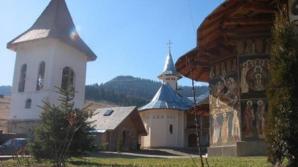 La 7 ani de la înmormîntare, călugării de la Petru Vodă l-au deshumat pe părintele Calciu Dumitreasa
