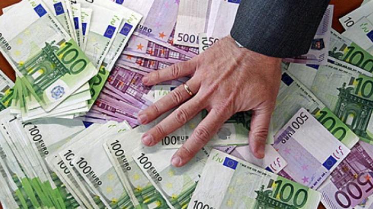 Nu primesc bani sau garanții de stat, ci diplome: 100.000!
