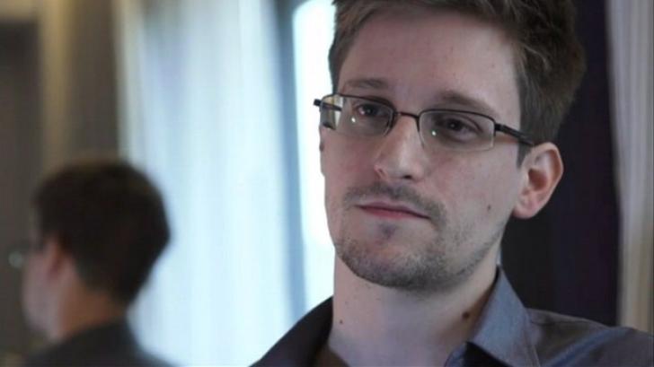 Mesajul de Crăciun al lui Edward Snowden: Încetaţi monitorizarea masivă a comunicaţiilor