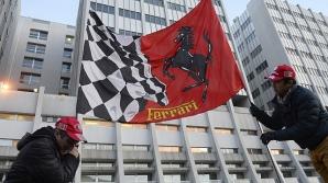 Michael Schumacher, încurajat de fani în fața spitalului în care este internat în comă