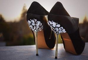 Cum să îţi personalizezi pantofii