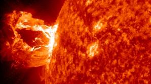 Prima mare explozie solară din 2014. Cum ne va afecta