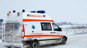 Două autospeciale SAJ Dâmboviţa au rămas blocate pe un drum judeţean când se întorceau de la cazuri