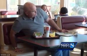 Timp de trei luni a mâncat numai de la McDonalds