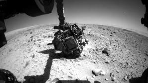 Roverul Curiosity a fotografiat un OZN misterios pe cerul marțian