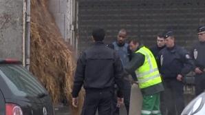 Un fermier a descărcat câteva tone de bălegar în faţa Adunării Naţionale