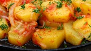 Cartofi în sos de roşii