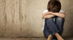 Anchetă la o şcoală după ce un elev a reclamat că a fost bătut de doi colegi