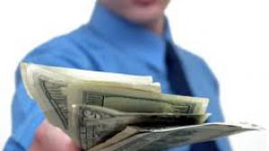 Românii vor putea schimba moneda în care au luat credit
