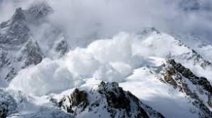 Cel puţin şase persoane au murit în urma unei avalanşe produse în Everest