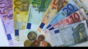 Giovanni Cafaro câștigă bani din statul la cozi