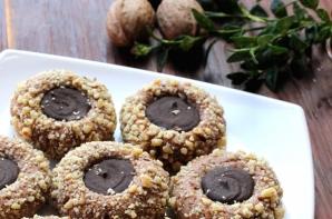 Fursecuri cu nucă şi ciocolată