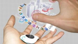Cum vor arăta telefoanele mobile peste cinci ani
