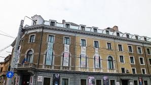 O bucată din acoperişul Teatrului Evreiesc de Stat s-a desprins