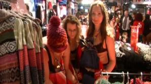 100 de francezi s-au îmbrăcat gratuit pentru că au intrat într-un magazin în lenjerie intimă