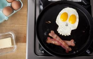 Alimentele care TE POT ÎMBOLNĂVI. De câte ori pe zi le consumi?
