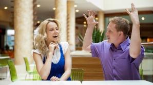 10 moduri şi gesturi prin care îţi arată că nu e interesat de o relaţie