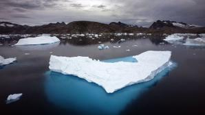 Toţi pasagerii navei ruseşti blocate în Antarctica au fost salvaţi