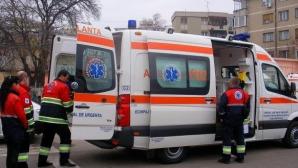 Cinci persoane, rănite grav într-un accident pe DN 7. Traficul este blocat