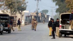 ATENTAT ÎN PAKISTAN. Cel puţin 20 de militari au fost ucişi şi alţi 30 răniţi