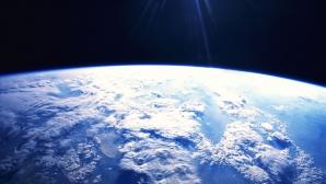 Primele călătorii spațiale pentru turiști vor începe în 2014