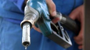 CALCUL. Ce ECONOMII va face un șofer după introducere accizei de 0,7 cenți pe litri
